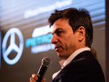 'Wolff to step down as Mercedes team principal'