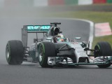 Hamilton wins double red-flagged Japanese GP
