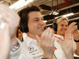 Wolff 'playing poker at high level' with Mercedes