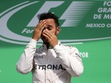 Hamilton ignores premature title loss talk