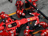 Leading Formula One teams differ slightly in Brazil tyre choices