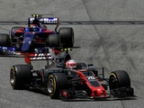 Steiner glad F1 stewards let drivers battle without penalties