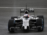 Button sets pace as Jerez test springs to life