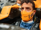 McLaren shows off Ricciardo in his new team colours