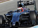 Magnussen fastest on Jerez debut