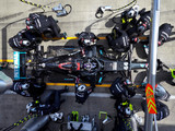 Mercedes hopes to fix smoky engine for Silverstone