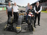 Alesi debuts F1's 2021 18-inch wheels in F2 demo run at Monza