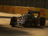 Alonso notes Halo access issues, Hamilton wants more laps