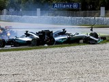 Lewis Hamilton must reconsider first-lap tactics - Jackie Stewart