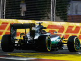 Nico Rosberg eases to Singapore pole as Daniel Ricciardo snatches second