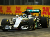 Rosberg silences Mercedes doubters in FP2