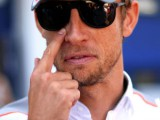 Button slams Caterham duo for ignoring blue flags