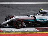 Mercedes issues team orders threat after Rosberg/Hamilton collision