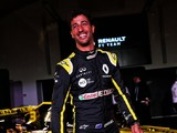 Daniel Ricciardo makes Renault F1 debut as RS19 shakedown happens
