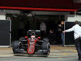 McLaren abandons day one programme