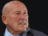 Sir Stirling Moss 'stable' in hospital following 'serious' chest infection