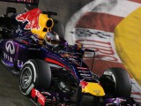 Ecclestone: 2014 'chance to topple Red Bull'