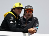 Sainz hopes to stay close to compatriot Alonso