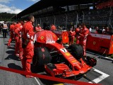 What's behind Ferrari Formula 1 team's grid cooling bag trick?
