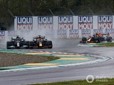 """Hamilton has """"done well"""" to avoid F1 incidents with Verstappen"""