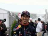 Ricciardo excited by Mercedes rivalry