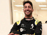 Ricciardo reveals his Renault look