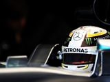 Hamilton relaxed over Rosberg's pace