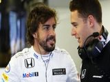 Alonso not concerned by fight from Vandoorne