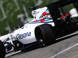 FP1: First practice hit by tyre failures