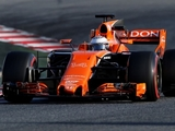 Alonso laments first day of 'checking laps'