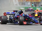 F1 shouldn't be '2 different categories' - Sainz