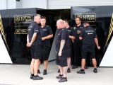 Ecclestone steps in to feed Lotus staff