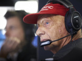 Lauda back in intensive care