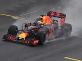 Ricciardo troubled by visor fogging up