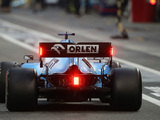 Williams fires up its FW43 for the first time