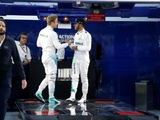 Hamilton, Rosberg free to race after talks