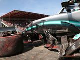 Hamilton crashes in Spa, qualifying participation under threat