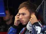 Gasly determined to keep Sainz at bay