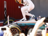 Hamilton beats Vettel in thriller