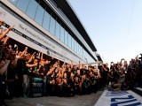 Mercedes looks to seal title at Sochi