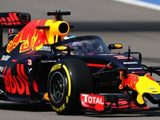Red Bull 'Aeroscreen' makes debut during FP1