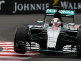 Hamilton quickest in rain-hit second practice