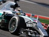 Hamilton prevails for pole as Ferrari toils