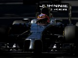 Traffic hinders Button's qualifying efforts