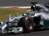 FP2: Hamilton quickest despite stopping on track