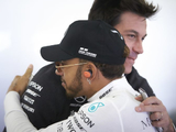 "Hamilton ""in a good place"" with Mercedes - Wolff"