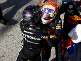 """Wolff - Wrong to expect Hamilton and Verstappen to wear """"velvet gloves"""""""