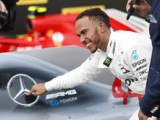 Official: Hamilton agrees two-year deal with Mercedes