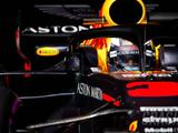Ricciardo sets new lap record as McLaren suffer