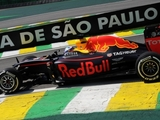 Red Bull drivers pin hopes on wet weekend